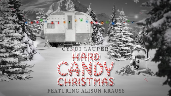 Cyndi Lauper – Hard Candy Christmas [Dolly Parton]