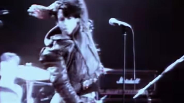 Iggy Pop – Real Wild Child (Wild One) [Johnny O'Keefe]